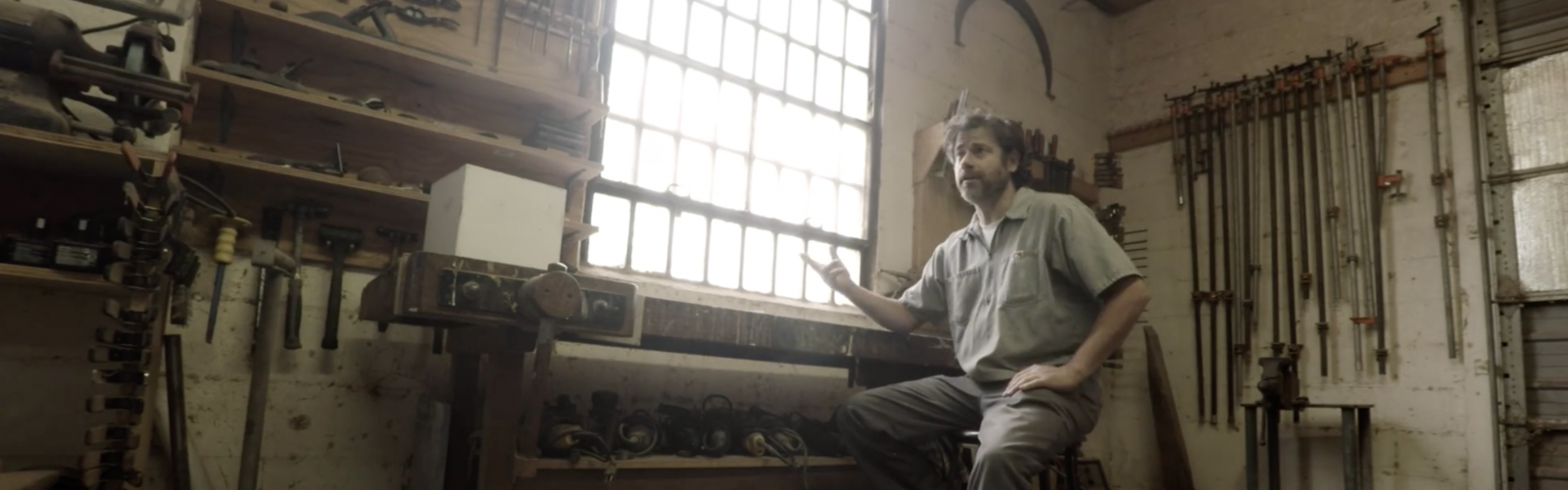 Discover sculptor Joël Urruty's creative process in this short video